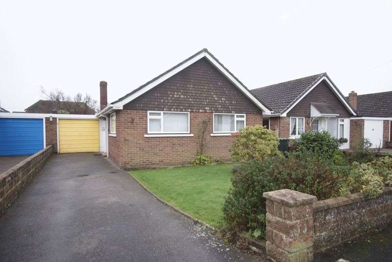 2 Bedrooms Detached Bungalow for sale in Warwick Close, Lee-On-The-Solent, PO13