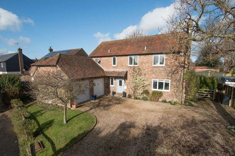 4 Bedrooms Detached House for sale in Chestnut Walk, Tangmere