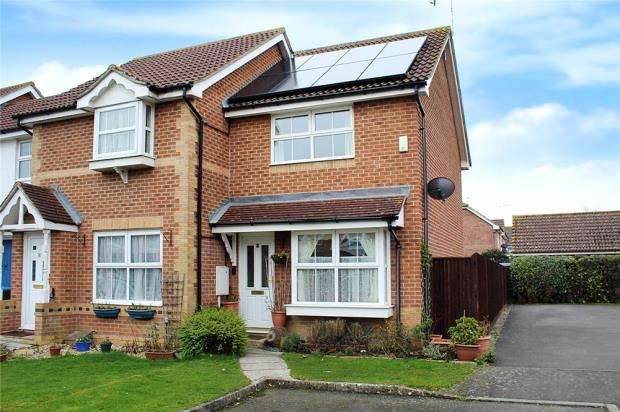 2 Bedrooms End Of Terrace House for sale in Robin Close, Littlehampton, West Sussex, BN17