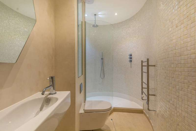 2 Bedrooms House for sale in St Paul Street, Angel, N1