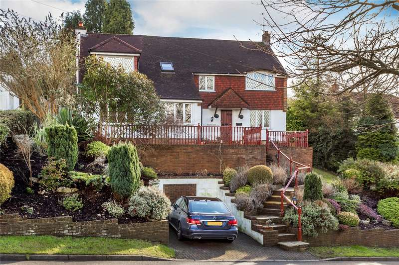 5 Bedrooms Detached House for sale in Loxford Road, Caterham, Surrey, CR3