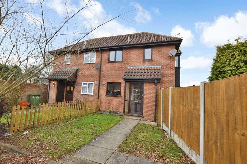 1 Bedroom Semi Detached House for sale in Douglas Drive, Wickford