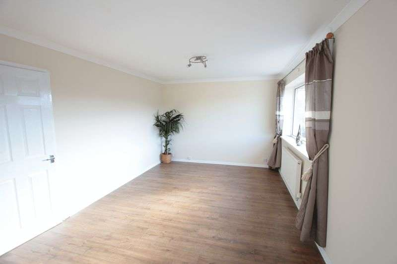 2 Bedrooms Flat for sale in Ffordd Penrhwylfa, Prestatyn