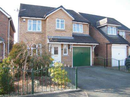 4 Bedrooms Detached House for sale in Hartwell Grove, Winsford, Cheshire, CW7