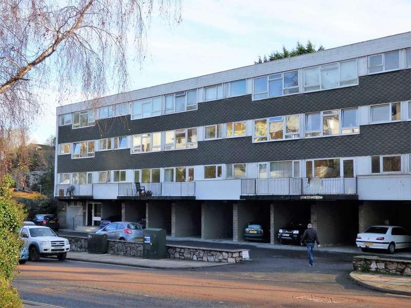 1 Bedroom Flat for sale in Seaway Court, Brixham