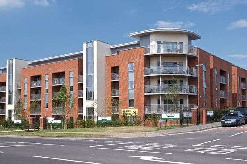 1 Bedroom Flat for sale in Corbett Court, The Brow, Burgess Hill:
