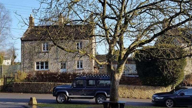 4 Bedrooms Detached House for sale in Rural Idyll 10 minutes from Bath. Period property with attractive contemporary addition, pretty garden and great views.