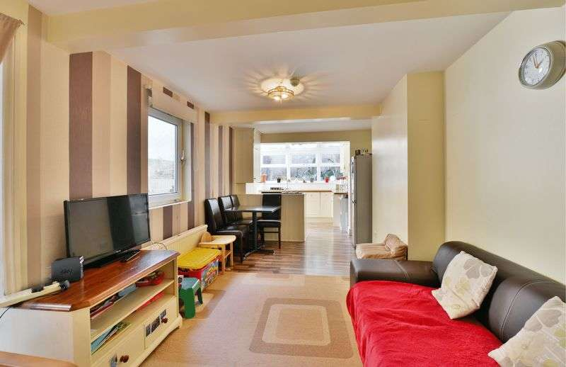 2 Bedrooms Flat for sale in Lithos Road, Hampstead, London, NW3