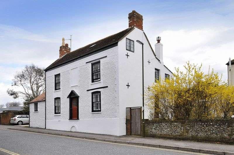 6 Bedrooms Detached House for sale in Avon Road, Littlehampton