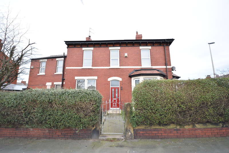 3 Bedrooms End Of Terrace House for sale in Liverpool Road, Blackpool