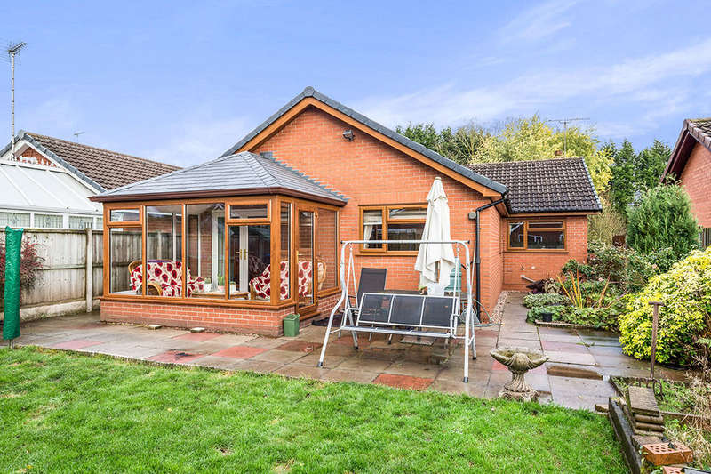 3 Bedrooms Detached Bungalow for sale in Blithe View, Blythe Bridge, Stoke-On-Trent, ST11