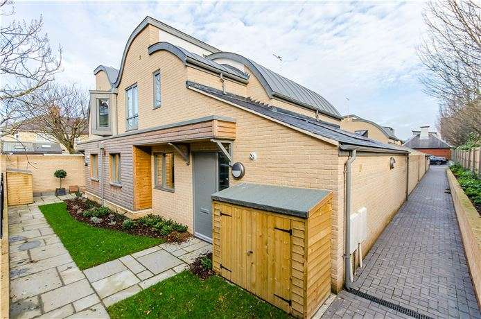 4 Bedrooms House for sale in Plot 3, Midsummer Place, Auckland Road,