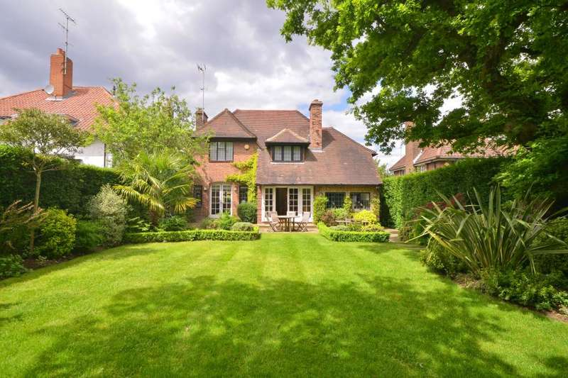 5 Bedrooms Detached House for sale in Middleway, Hampstead Garden Suburb, NW11