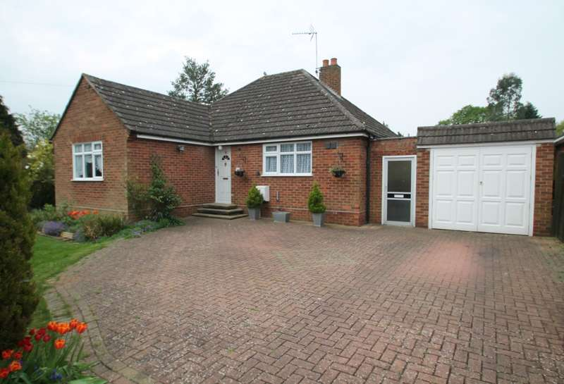 3 Bedrooms Detached Bungalow for sale in Welley Avenue, Wraysbury, TW19