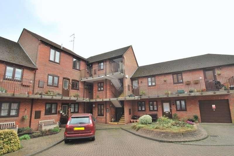 1 Bedroom Flat for sale in Town Bridge Court, Chesham, HP5
