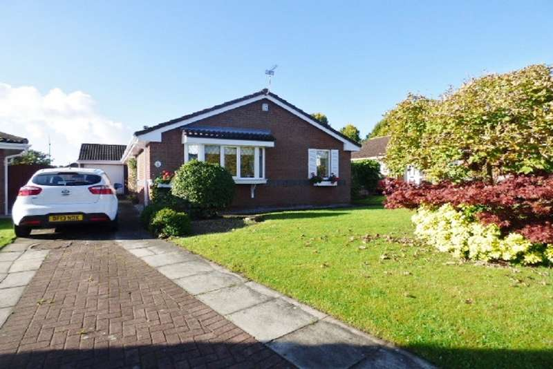 3 Bedrooms Detached Bungalow for sale in Falconers Green, Kingswood, Warrington