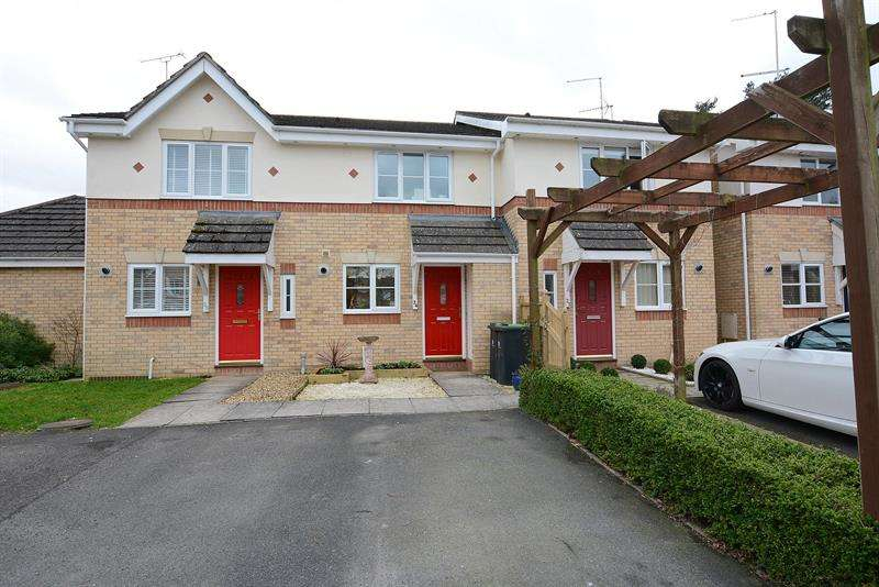 2 Bedrooms Terraced House for sale in Hillmeadow, Verwood, Dorset