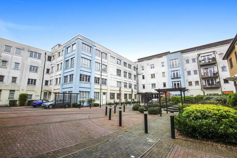 Apartment Flat for sale in Sunlight Square, London, E2