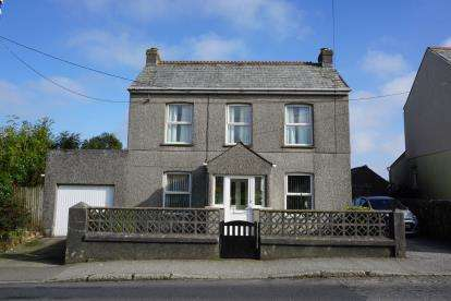 3 Bedrooms Detached House for sale in Penwithick, St. Austell, Cornwall
