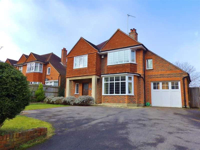 4 Bedrooms Detached House for sale in The Chestnuts, 51 Decoy Drive, Eastbourne