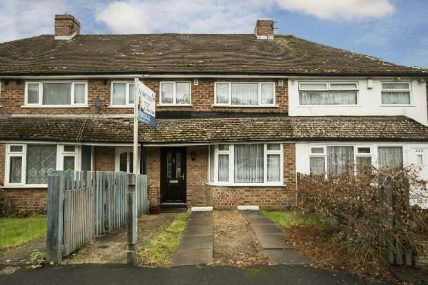 3 Bedrooms Terraced House for sale in Thirlmere Avenue, Tilehurst, Reading,