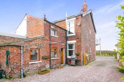 2 Bedrooms Semi Detached House for sale in Ollershaw Lane, Marston, Northwich, Cheshire
