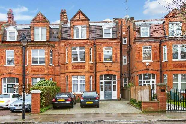 3 Bedrooms Flat for sale in Goldhurst Terrace, South Hampstead, NW6