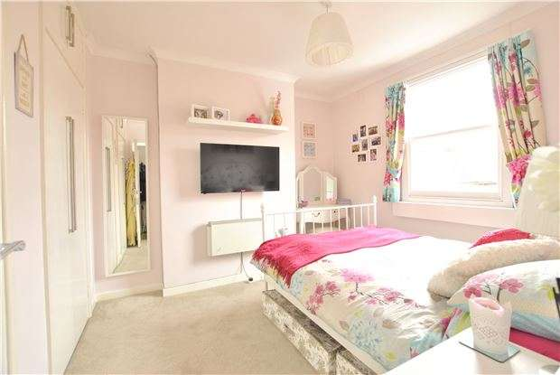 2 Bedrooms Flat for sale in Monmouth Place, BATH, Somerset, BA1