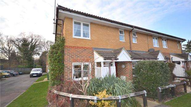 3 Bedrooms End Of Terrace House for sale in Lilac Cottages, Pollardrow Avenue, Bracknell