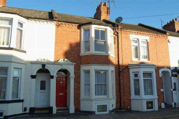 4 Bedrooms Terraced House for sale in Lutterworth Road, Abington, Northampton NN1 5JL