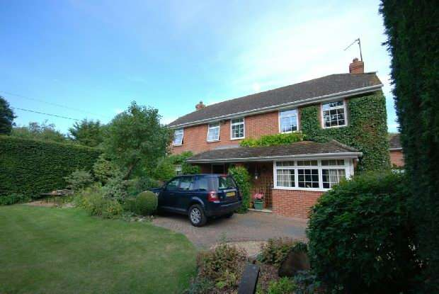 4 Bedrooms Detached House for sale in Newton Toney