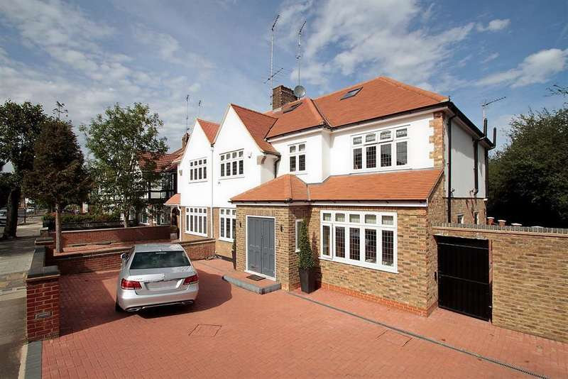 5 Bedrooms Detached House for sale in Brunswick Road, Ealing, London, W5 1AH