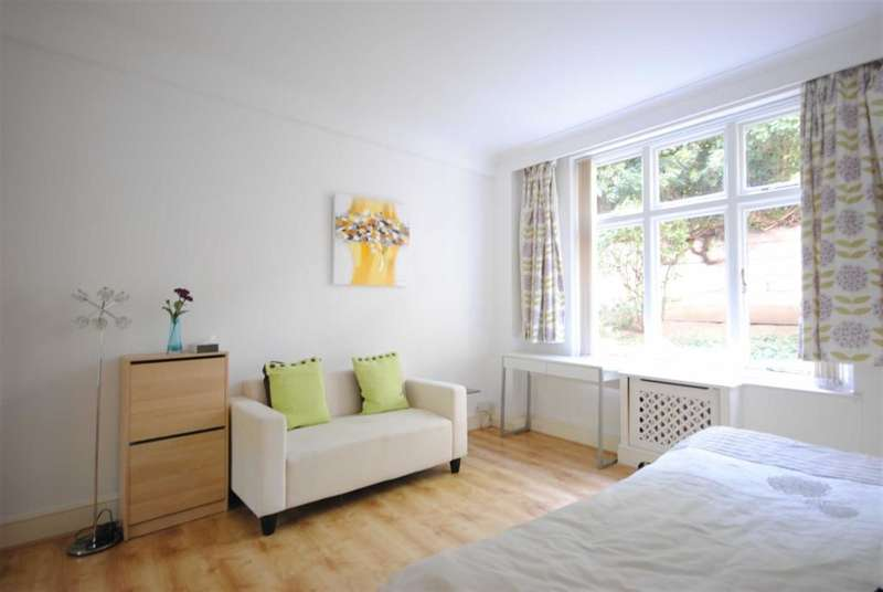 1 Bedroom Studio Flat for sale in Abercorn Place, London, NW8