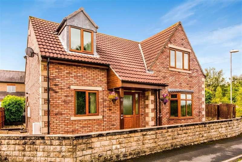 4 Bedrooms Detached House for sale in Ingthorpe Way, Monk Fryston, Leeds, LS25 5DN