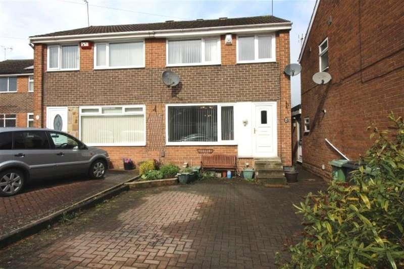 3 Bedrooms Semi Detached House for sale in Swinnow Gardens, Bramley, LS13