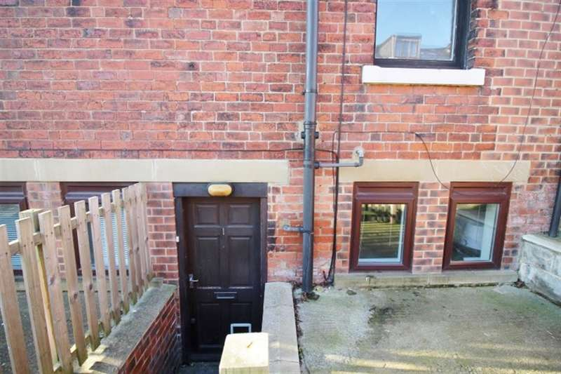 1 Bedroom Flat for sale in Raynville Road, Bramley, LS13 2RG