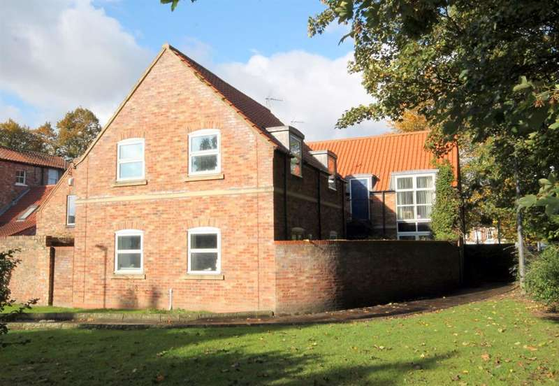 6 Bedrooms Serviced Apartments Flat for sale in Minsters Reach, High Newbiggin Street, York, YO31 7RD
