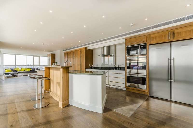 4 Bedrooms Flat for sale in Eaton House, Canary Wharf, E14