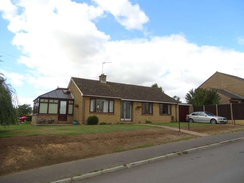 3 Bedrooms Bungalow for sale in Lambrook Road, Ilminster