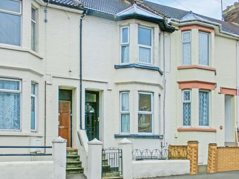1 Bedroom Flat for sale in Richmond Road, Gillingham, Kent, ME7 1LN