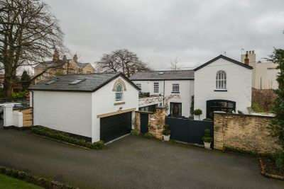 5 Bedrooms Detached House for sale in East Downs Road, Bowdon