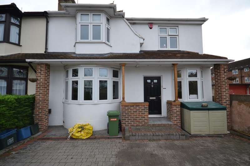 4 Bedrooms Semi Detached House for sale in Stradbroke Grove,
