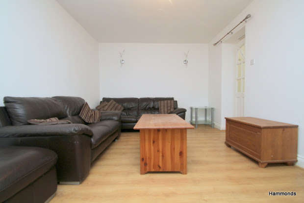 4 Bedrooms Terraced House for sale in Alloway Road, Bow, London, E3