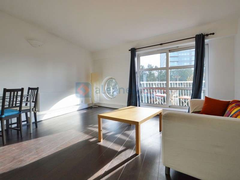 2 Bedrooms Flat for sale in Westferry Road, Isle of Dogs E14