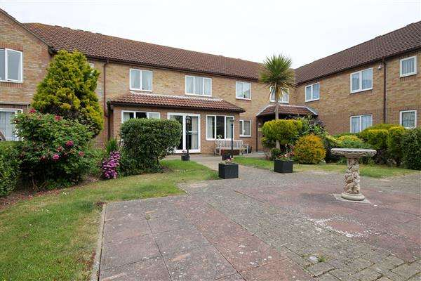 1 Bedroom Apartment Flat for sale in Havenvale Court, Coppins Road, Clacton on Sea