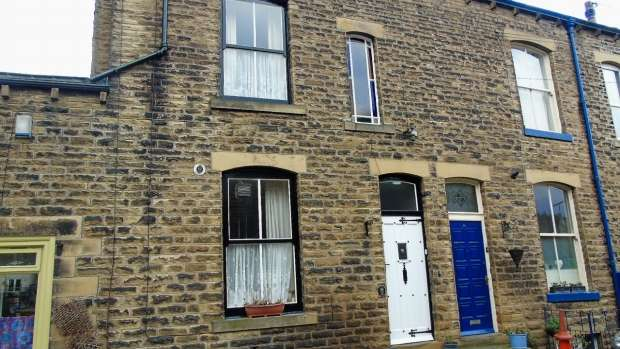 3 Bedrooms Terraced House for sale in Church Street Mytholmroyd Calderdale