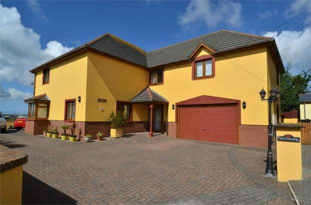 5 Bedrooms Detached House for sale in Britannia Road, Pembroke Dock, Pembrokeshire