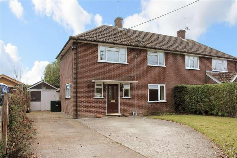 4 Bedrooms Semi Detached House for sale in St Andrews Close, Bradfield, Reading, RG7