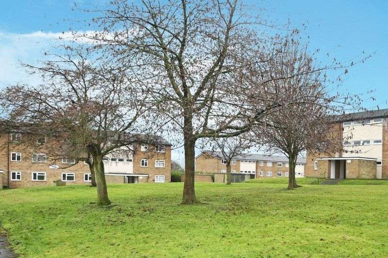 2 Bedrooms Flat for sale in Gayhurst Road, High Wycombe