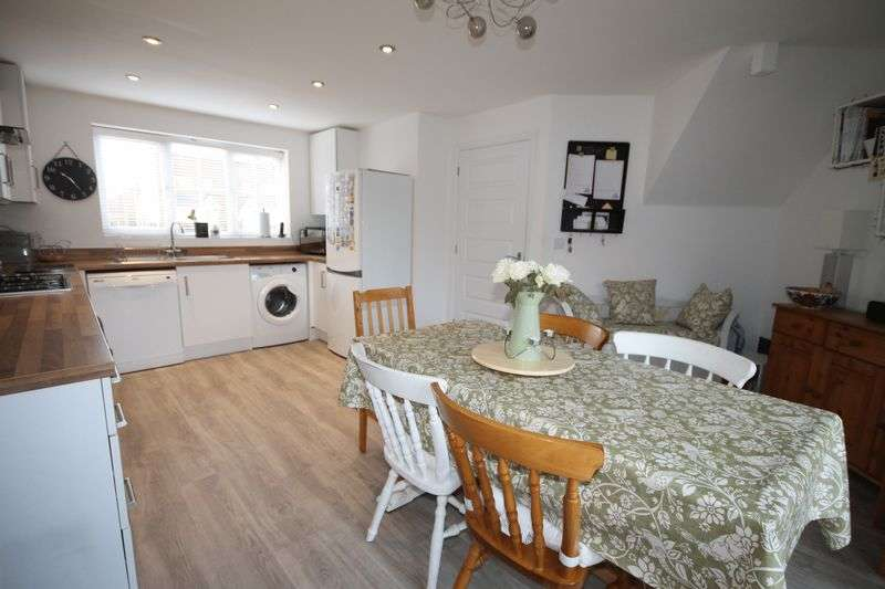3 Bedrooms Semi Detached House for sale in Daffodil Way, Denvilles